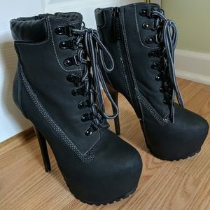 Breckelle's | Stiletto Ankle Boots NWOT